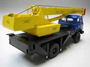Мини модель автокрана КС-3577